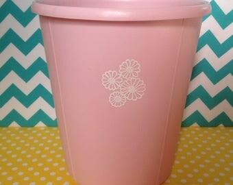 Vintage pink Rubbermaid trashcan, waste basket, pink trash can, retro, flower power, 1970s, trashcan, daisies, flower power