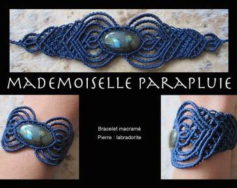 Blue macrame bracelet intense labradorite stone