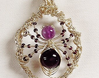 The Hedgerow Spider Pendant Tutorial