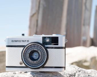 Olympus Trip 35 in White Leather