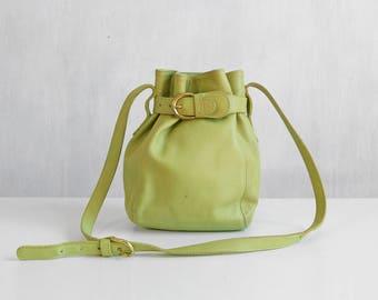 Light green coach bag / lime green coach leather bucket bag / light green shoulder bag / medium size light green coach cross body handbag
