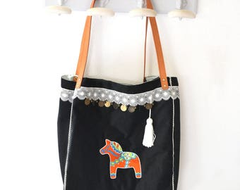 large tote bag embroidered with a dala colorful on a black velvet and Bohemian