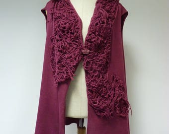 Boho artsy berry vest, XL size. Made of soft italian wool.