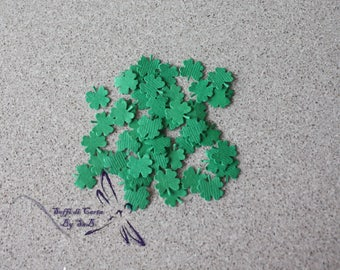 Cloverleaf shaped confetti