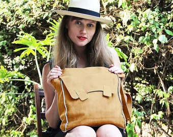 A big, lofty, ocher poly-pocketed bag. Highly convenient to carry, Cross Body Handbag,casual leather bag,woman messenger bag,Laptop bags