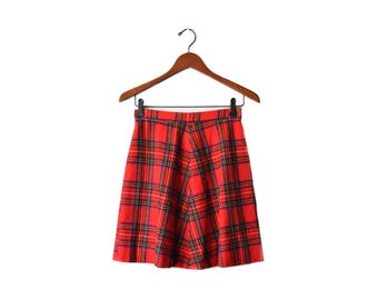 Vintage red wool plaid skirt | size 26