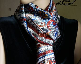 Scarf scarf satin Arabesque motifs