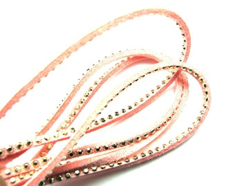 SQUARE 2MM PEACHY PINK LEATHER BRAID HAS NAIL FACETED GOLD 30CM BY 30CM