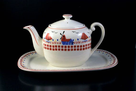Teapot and Underplate, Made in Japan, Red Mill, Teapot, Platter, Boat Design, 3 Cups