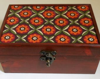 Jewellery/vintage/Storage Box/Retro decorative style fabric/Wooden Box/home decor