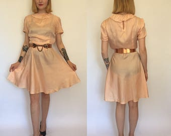 S/M 1940s rose pink peirrot collar dress