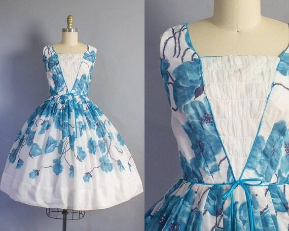 1950s Blue Floral Cotton Dress/ Small (36b/25w)