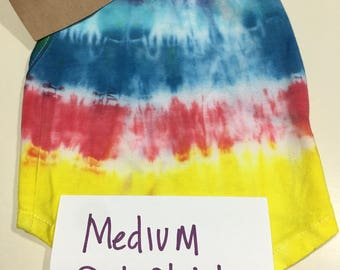 Medium   Pet tye dye blues  with a touch of electric blues up to 13 lbs