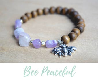 Bee Charm Bracelet / save the bees,bee jewelry gift,amethyst bracelet,nature lover gift,insect jewelry women,queen bee bracelet,bee bracelet