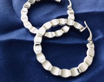 Ladies 14k White Gold Hoop Earrings