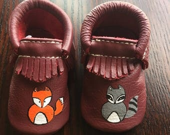 Raccoon Fox Hand painted size 3 Freshly picked baby moccasins baby shoes brand new