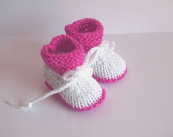 baby booties pink and white baby girl shoes birth 0/3 month hand knit