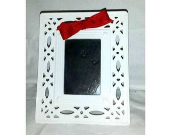 """White Picture Frame,Lace Edge Frame,Two's Company,Lattice Picture Frame,Wedding Gift,Reticulated Frame,6"""" x 5"""" ,Fits 2"""" x 3"""" Picture,Shabby"""