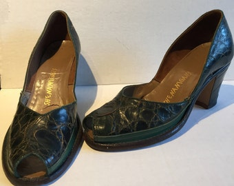 Vintage pair of 1940's Open Toe Green Alligator Shoes by Shenanigans