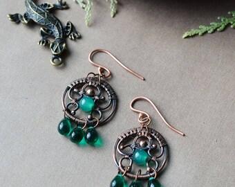 Green earrings, wirewrapped earrings, round earrings, czech glass and green onyx, bohemian jewelry, boho summer, ethnic jewelry, wirewrapped