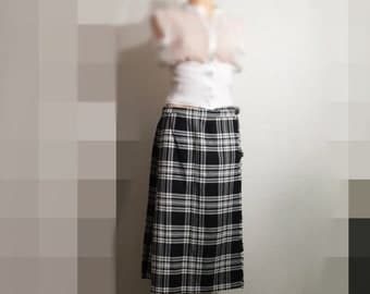 Vintage John Morrison Edinburgh pure wool Scottish Kilt made in Scotland Black White tartan plaid kilt wrap skirt UK size 18