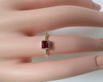 Garnet ring,  92.5 sterling silver,free shipping