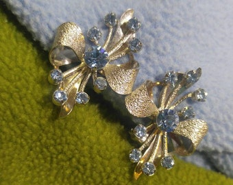 Light Blue Rhinestone on Textured Silver Bow Design