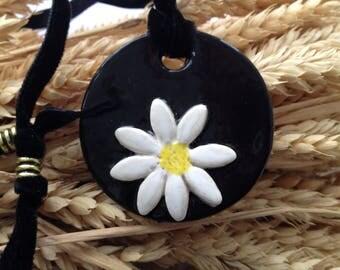 Ceramic Daisy Pendant