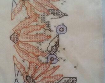 NOS, Embroidery Pillowcase Kit, Black-Eyed Susan, Fairway Needlecraft Company, Set of Two White Poly-Cotton Perle Edged, Cottage Chic.