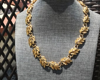 Napier 1980s Gold Leaf and Swirl Link Necklace