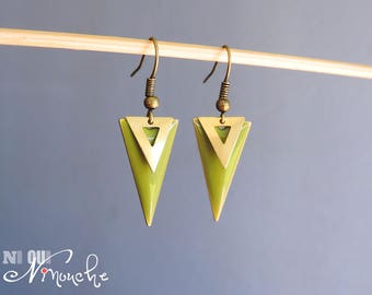 Khaki green earrings and gold sequin enameled triangle geometric Golden pastille classy vintage retro chic
