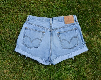 Vintage Levi's High Waisted Shorts SIZE 11 or 12