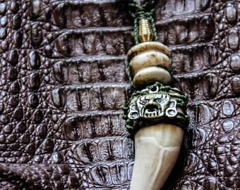 Caiman Tooth - Inca Face Pendant - Natural Seeds - Tribal - Jungle - Ethnic - Boho - Shpibo - South America - Shaman - Cosplay-Ritual-Trance