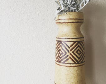 vintage ceramic patterned vase