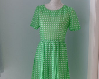 Vintage Horrockses Tea Dress. Lime Green & White Spots. Classic Charm.