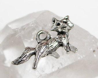 set of 50, charms wholesale, fox charms, 22mm x 14mm, antique silver, mixed metal, silver fox charms, 3d fox charms, detailed fox charms,