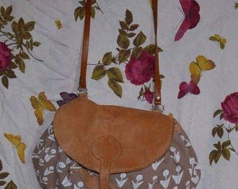 Vintage tan leather and fawn screen printed tote handbag satchel