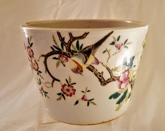 Stunning Chinese Qing Dynasty Famille Rose Porcelain Pot with Bird,Floral and Foliage Hand Painted Design