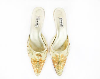 Vintage Gold Embroidered Pointed Toe Kitten Heel Mules size 9 US Womens