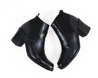 Vintage Black Leather Minimalist Ankle Boots size 8.5 US Womens