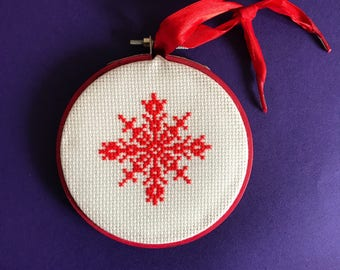 Christmas cross stitch, snowflake, cross stitch, 4 inch, embroidered hoop, xmas, decoration, red, winter solstice, yule, yuletide