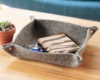 Felt Valet Tray ~ Valet Tray ~ Felt Catch all ~ Catchall ~ Travel Tray ~ Housewarming gift ~ Minimalist Tray ~ Office Decor