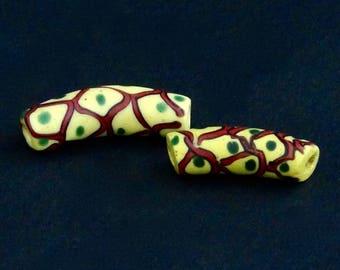 V86- 2 antique venetian fancy elbow beads
