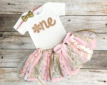 Winter Onederland Birthday Outfit with Gold Bow, Pink and Gold Winter Wonderland Birthday Outfit, Snowflake Birthday, Pink Gold Fabric Tutu