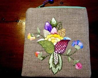 Linen clutch, embroidered hand jacobėen pattern