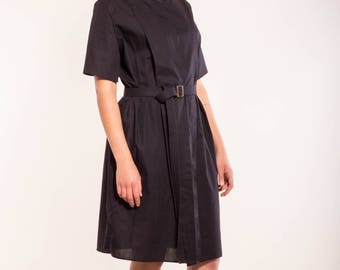 black blouses dress made of organic cotton with mother-of-Pearl buttons, concealed button placket, short sleeve with slot, sustainable and fair, dress black