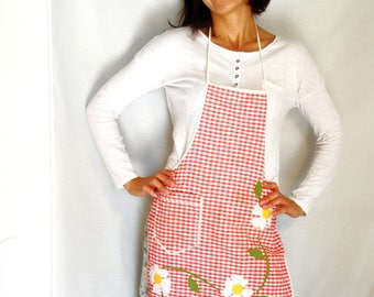 Vintage Gingham checkered apron retro red white floral daisy cotton full apron kitchen baking