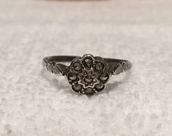 Lovely Vintage Antique ART DECO Sterling Silver and MARCASITE Ring-Elegant Round Shaped Design-Covered in Marcasites-Us  8 & 5/8 - Uk Size R