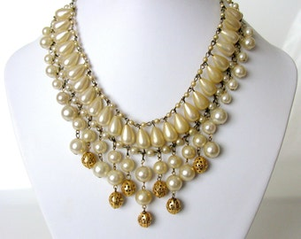 60s / Waterfall Necklace / Mid Century / Pearl Bib Necklace / Chain Link / Pearl Necklace / Something Old / Bridal Necklace / White / Gold