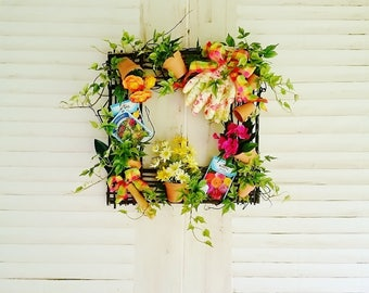 Summer Wreath for Front Door, Gardening Wreaths, Front Door Wreaths, Summer Wreaths, Front Porch Decor, Farmhouse Wreaths, Wreaths      W319